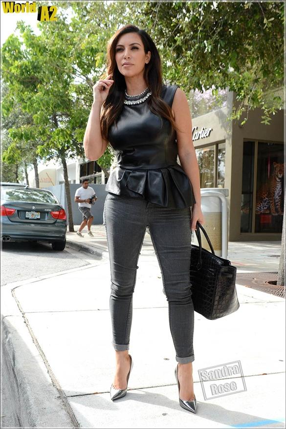 Look da Kim Kardashian looks 2016 23